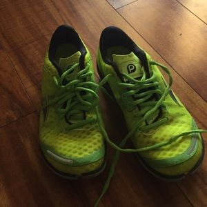 Brooks pure connect size 10 neon green